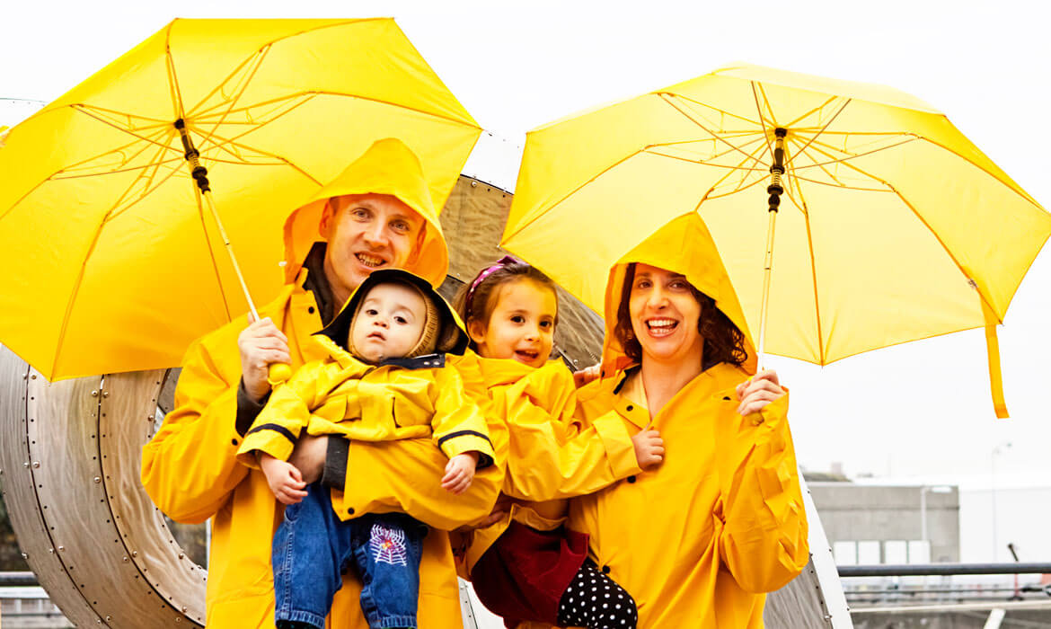 Umbrellas and Raincoats Manufacturer and supplier in Bangalore